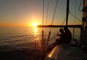 sailing-sunset-w